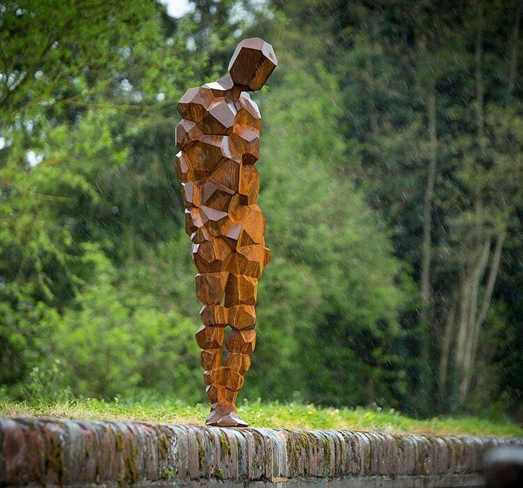 Парковая скульптура из кортена