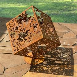 Арт-объект из кортеновской стали